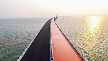 港珠澳大橋に4Gネットワーク開通...